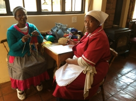 Katie Hlela translating the knitting pattern to Zulu.